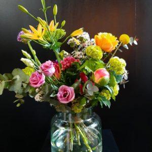 Moederdagboeket vrolijk - Bloemenboetiek Sonia